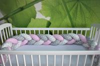 Duetbaby zábrana do postieľky vrkoč - 210 cm, ružovo-sivo-biela s bodkami