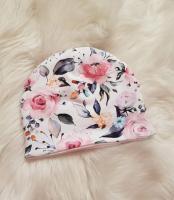 Handmade čiapka dvojvrstvová - biela s kvetinkami, veľkosti 34-44